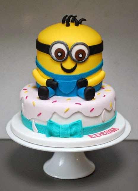 Excellent Minions Birthday Cakes Vanilla Frost Cakes Funny Birthday Cards Online Fluifree Goldxyz