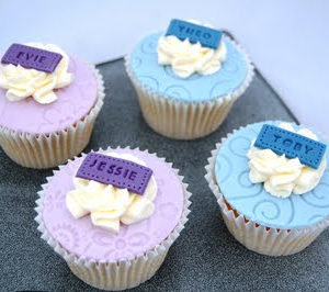 Pretty Embossed Cupcakes